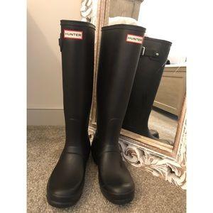 Hunter Wellies-Size 8 Black